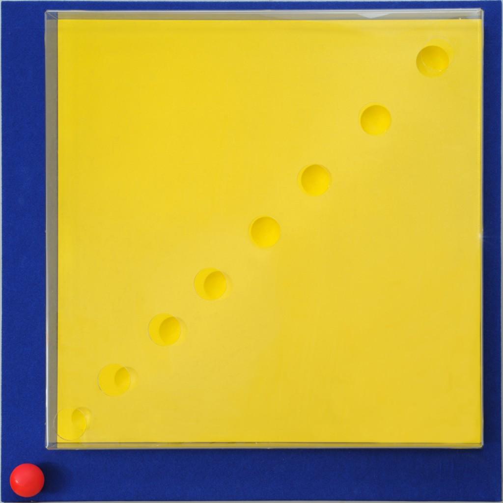 P. P. 7 - installazione su tela - box in plexiglas cm 200 x 200 x 4