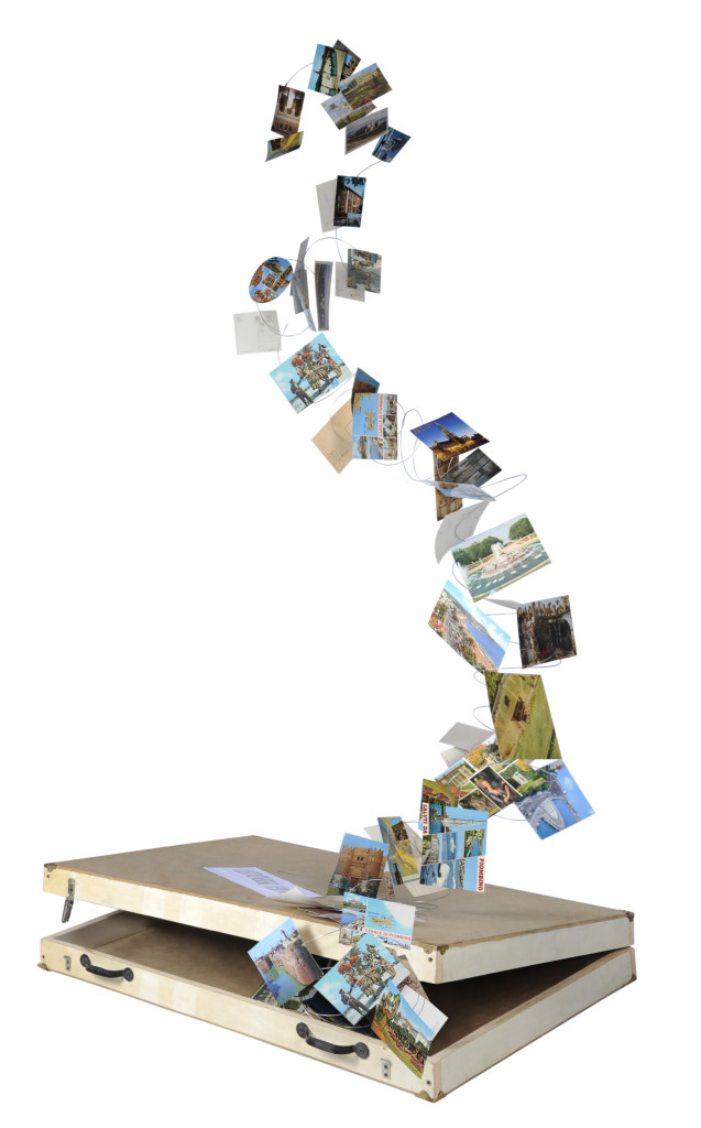 Installazione (valigia: struttura in legno e mediodensit, maniglia in plastica, chiusure in metallo. Cartoline) cm 86 x 66 x 11 x h 200